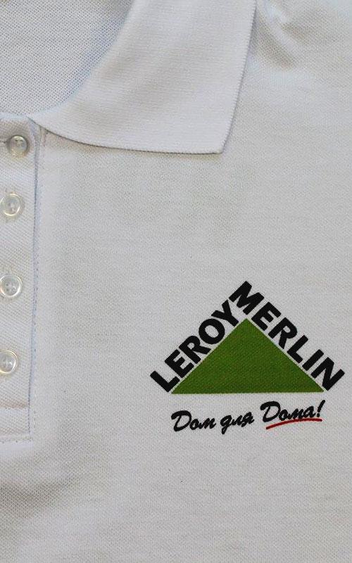 Печать на поло логотипа компании