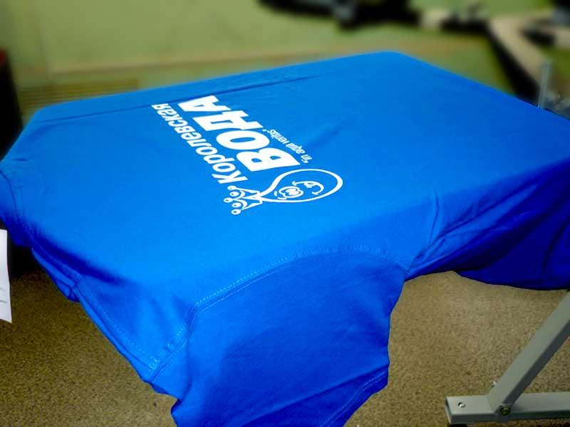 Трафаретная печать на футболках
