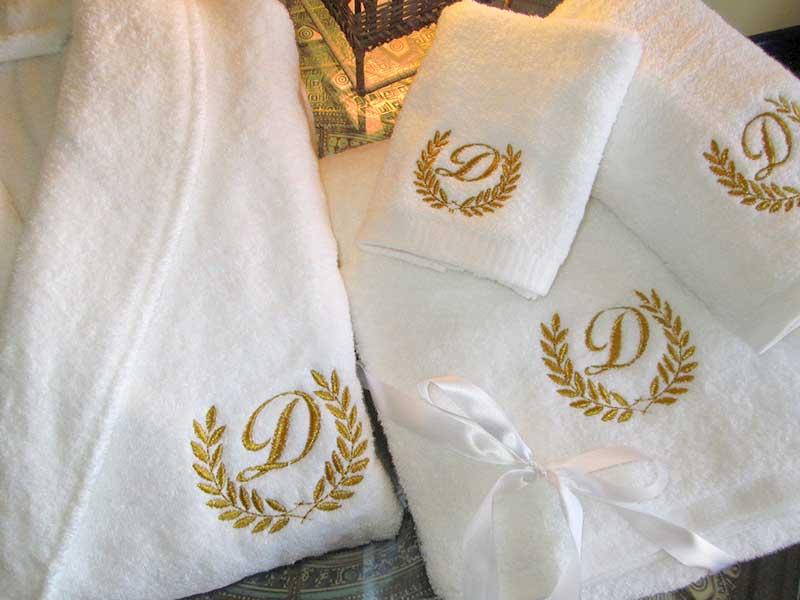 Вышивка на халатах